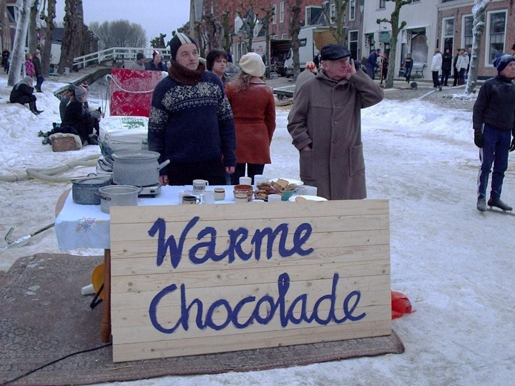 Gratis warme chocolademelk op milieubrengstation