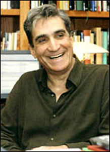 """shirt robert pinsky At new york fashion week, host elisa new catches up with fashion designer johnson hartig, bergdorf goodman's betty halbreich, shoe designer stuart weitzman, and design and poetry students from the new school to discuss robert pinsky's """"shirt""""."""
