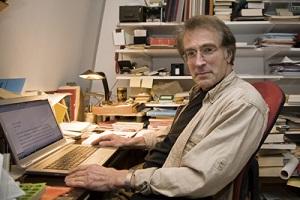 schrijver essayist en medewerker volkskrant